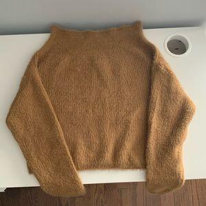 Mendocino Hot&Delicious -Crop Off Shoulder Sweater